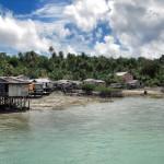 Einheimischen Dorf auf dem Maratua Atoll